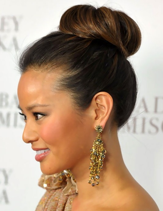 50 Beautiful Easy Updos For Trendy Long Haired Ladies - Part 11
