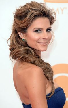 Fishtail Braid Hairstyles 17 bsta bilder om style saturday fishtail braids p pinterest brudfrisyrer frisyrer med fltor och brllopsfrisyrer A Fishtail Braid On The Red Carpet Yes We Love This Messy But Glam Look The Feathered Front Gives This A Very Polished Look While The Messy Fishtail Adds