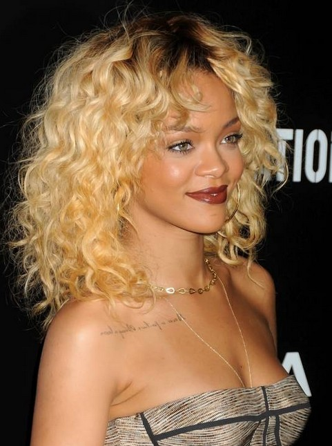 25 Most Iconic Rihanna Hairstyles And Haircuts
