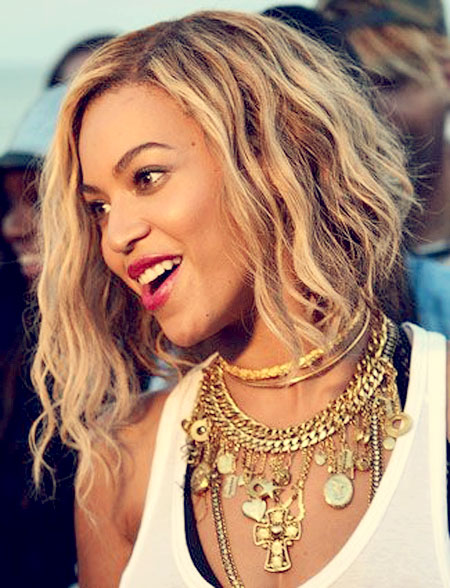 Full Of Natural Looking Waves This Long A Line Bob Is Just One Countless Styles Beyonce Has Worn To Perfection If Youve Been Considering Shorter Cut