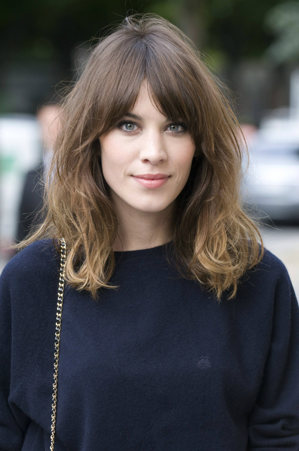 Shoulder length hairstyles guide shoulder length hair with bangs wavy haircut with split bangs urmus Images