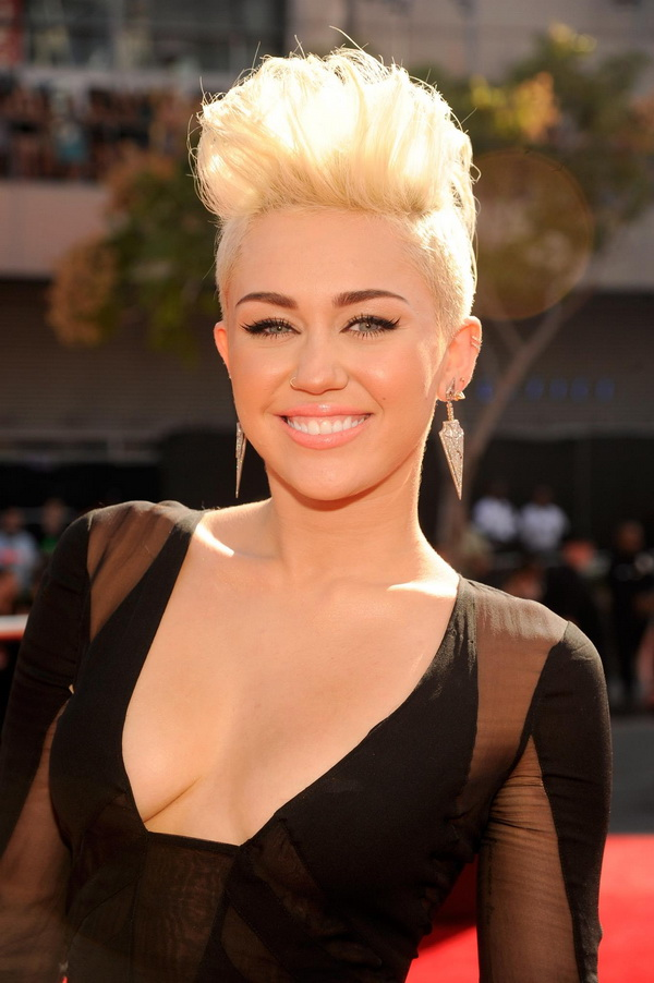 Incredible The Prettiest Prom Hairstyles For Short Hair Hair For Prom Short Hairstyles Gunalazisus