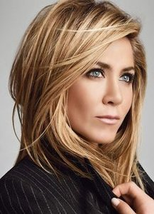 45 sunny and sophisticated brown with blonde highlight looks pair medium length feathered layers with a warm blonde highlight for an instant pmusecretfo Gallery