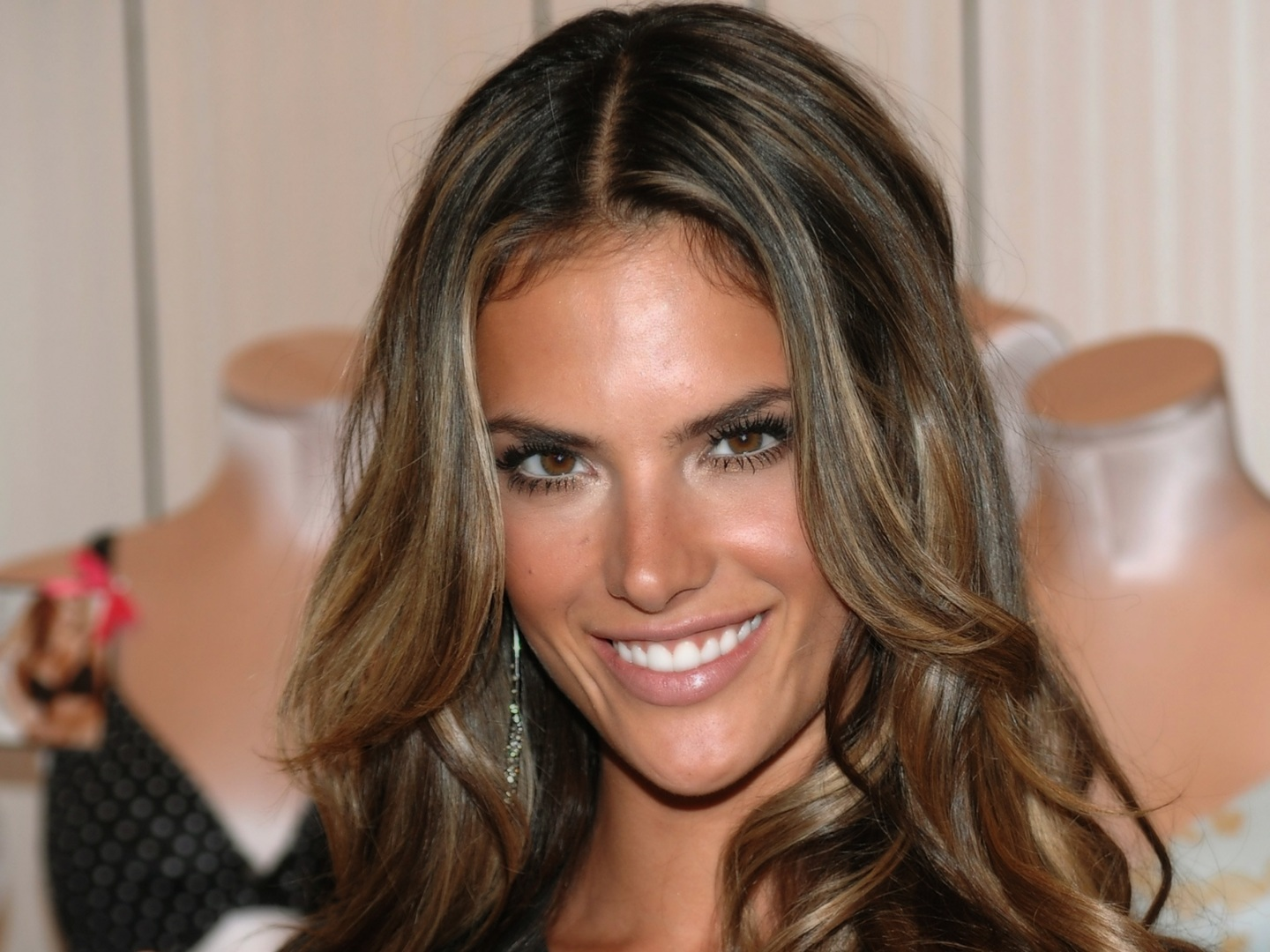 Highlighted Hair Styles: 45 Sunny And Sophisticated Brown With Blonde Highlight Looks