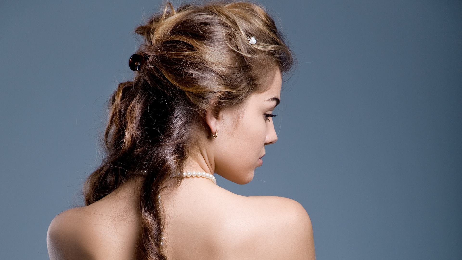 25 Chic and Cute Homecoming Hairstyles