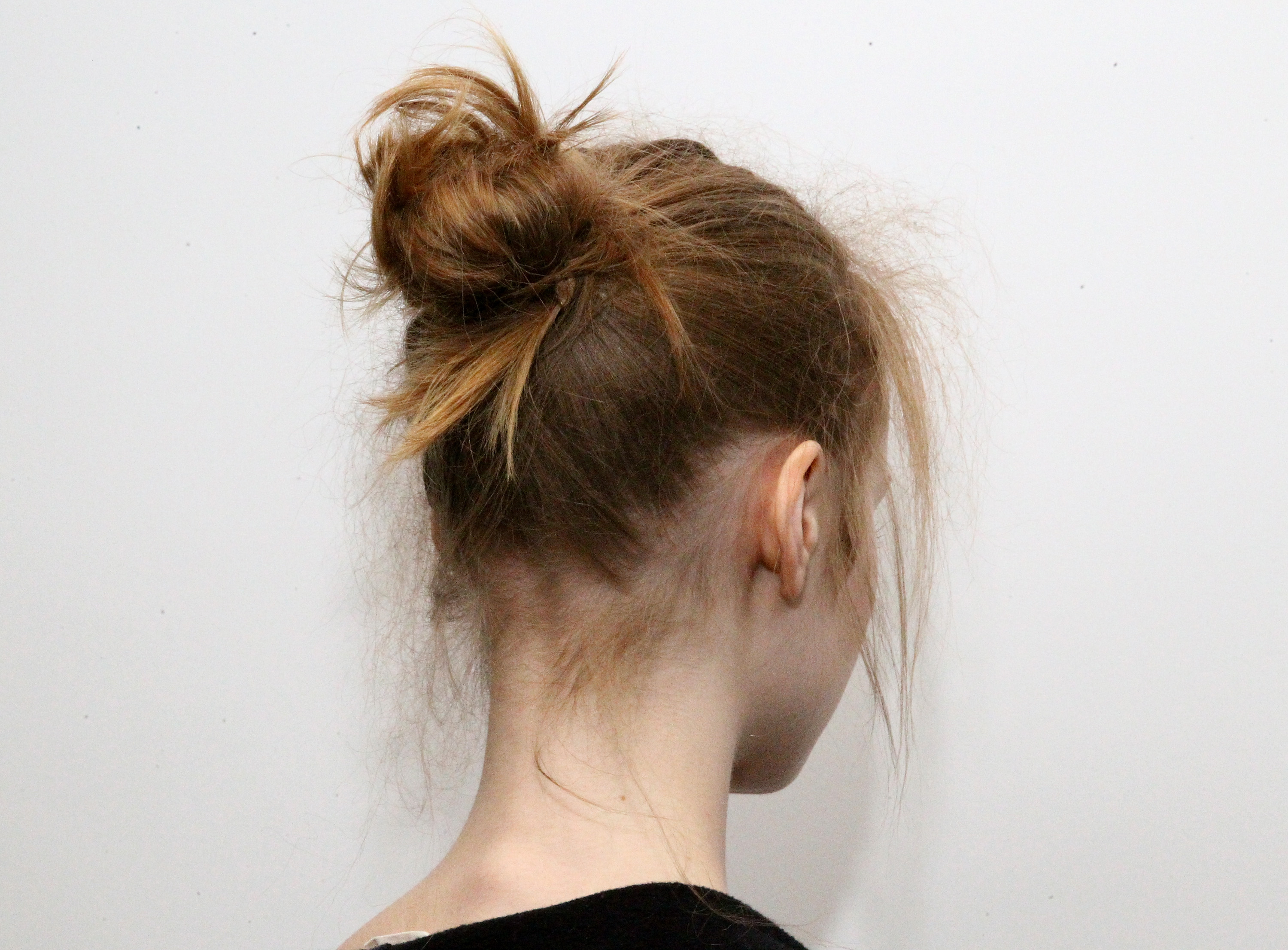 Top 25 Messy Bun Hairstyles Unique And Easy Messy Buns