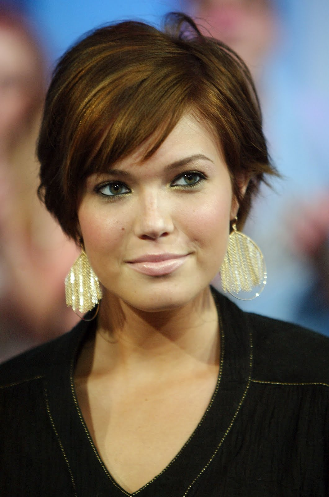 Awe Inspiring 30 Short Haircuts For Round Faces Short Hairstyles Gunalazisus
