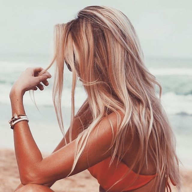 30 Trendy And Beautiful Long Blonde Hairstyles