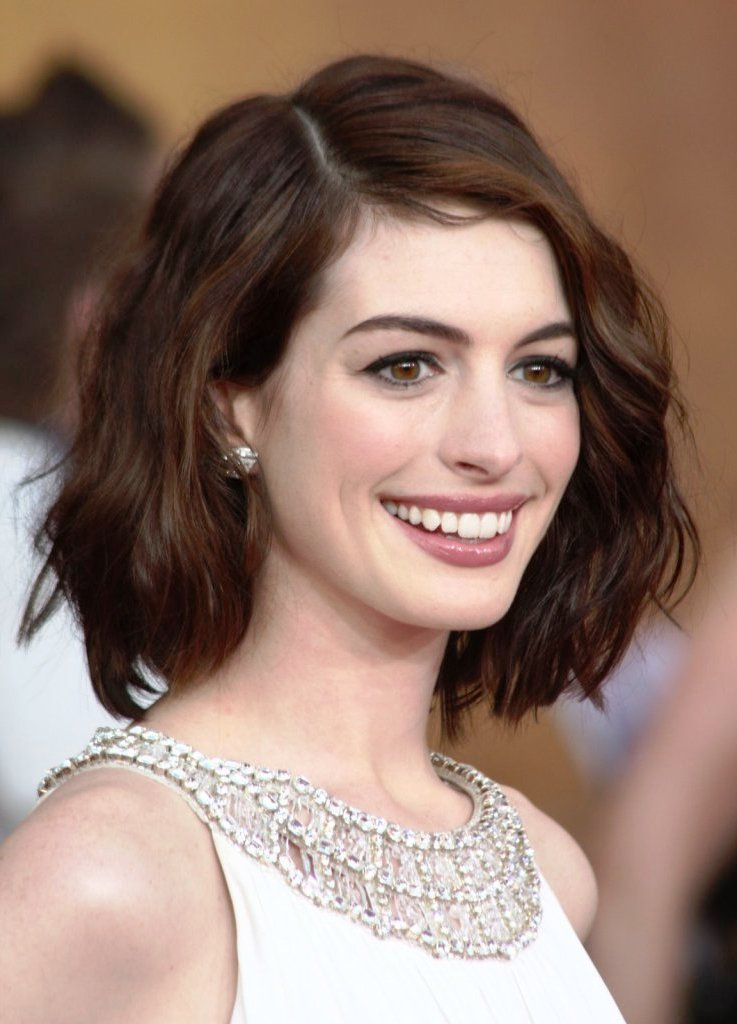 Magnificent Top 20 Hairstyles For Long Faces The Most Flattering Cuts Short Hairstyles Gunalazisus