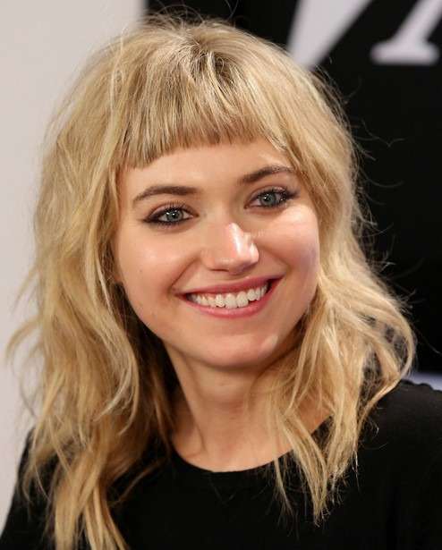 Putting Some Rocker Flair In Your Hairstyle This Naturally Tousled Blonde Hair Is Fun And Casual While The Short Choppy Bangs Will Make Eyes Pop
