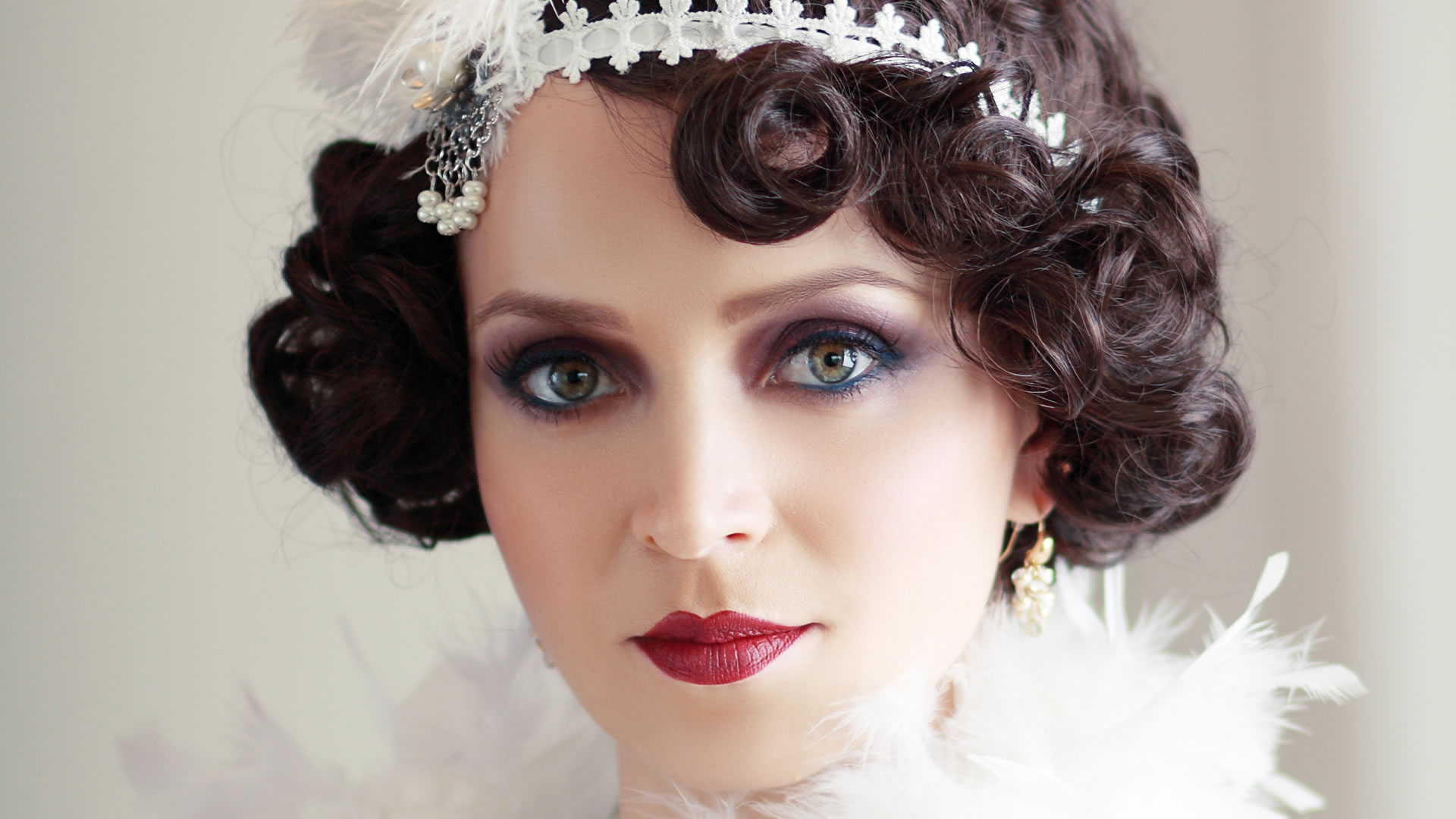 Terrific 25 Flirty Flapper Hairstyles For The Best Vintage Glam Looks Hairstyle Inspiration Daily Dogsangcom