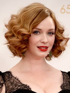 Using A Styling Technique Where Curls Begin About Half Way Down Each Strand Of Hair Is An Easy To Add Some Vintage Flapper Flair Your Existing Bob