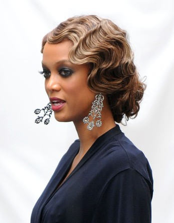 19Low Bun With Finger Waves