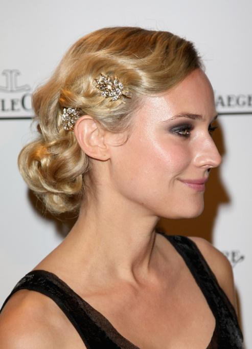 If Youre Looking For A Flapper Inspired Style Special Occasion Or Your Wedding Try This Updo That Uses Touches Like Soft Finger Waves And