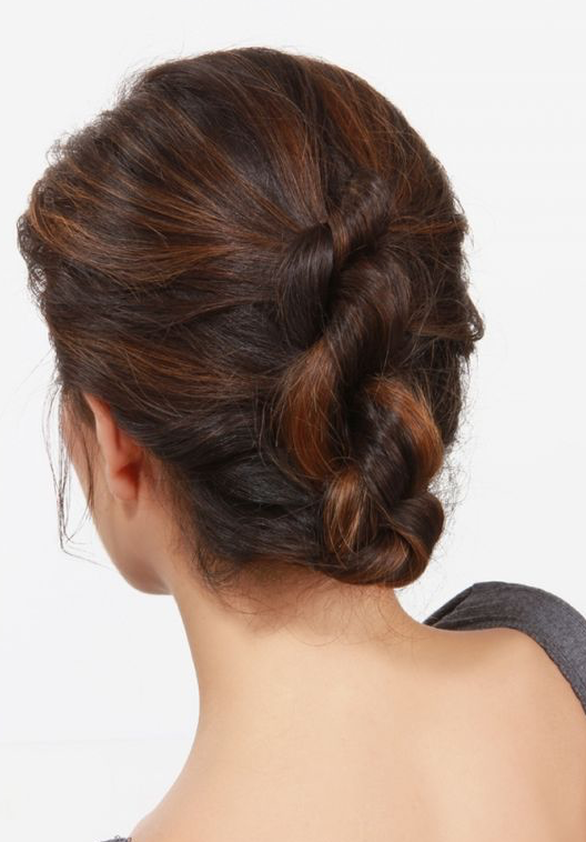 50 Beautiful Easy Updos For Trendy Long Haired Ladies - Part 6