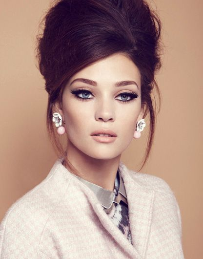 25 Swinging 60s Hairstyles For Mod Babes And Groovy Girls