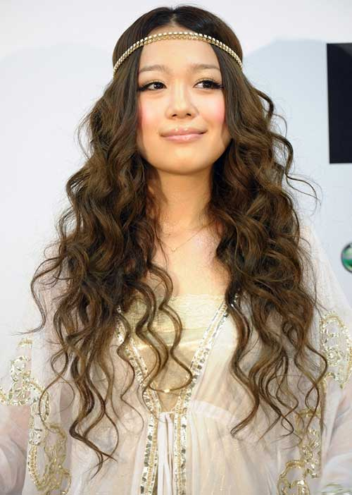 35 Super Cute And Easy Hairstyles For Long Haired Ladies ...