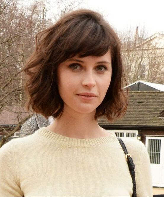 35 fabulous short haircuts for women with thick hair 12french bob with side bangs urmus Gallery