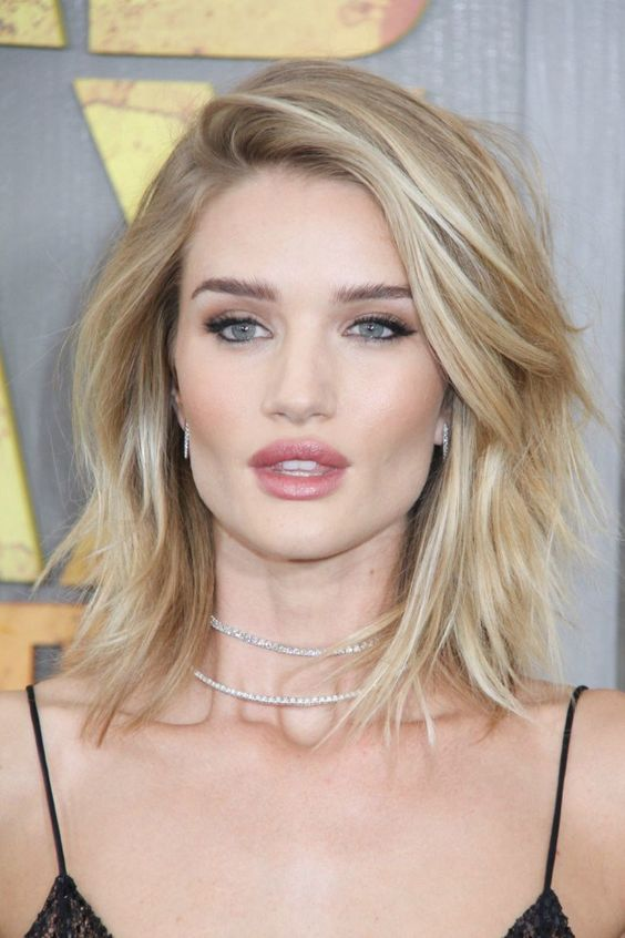 Cute and easy hairstyles for medium length hair since both short and long styles can make your face appear longer this collarbone length is ideal urmus Choice Image