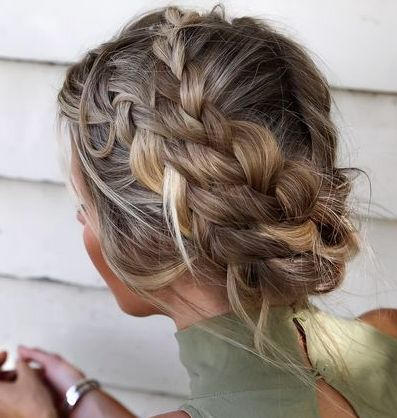 cute and easy hairstyles for medium length hair