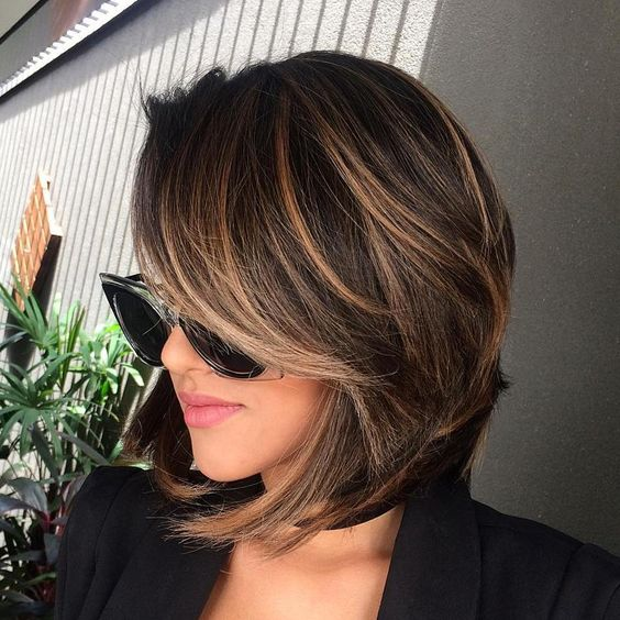 35 gorgeous highlights for brightening up dark brown hair ombre can be more difficult to wear with shorter haircuts making this light feathering technique the perfect way to highlight shorter dark brown hair urmus Images