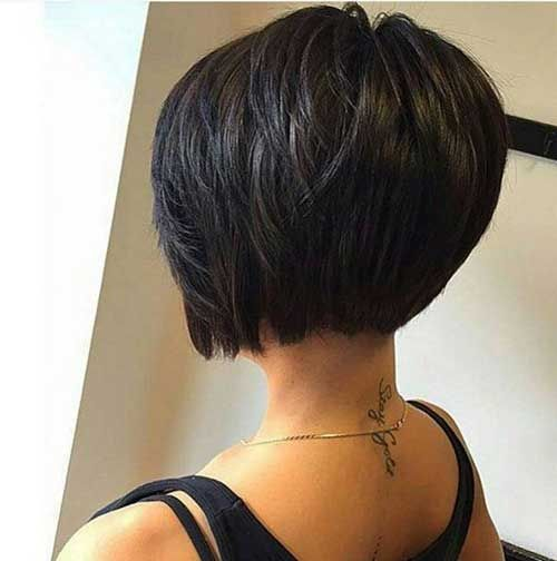 Dramatic Layers In The Back Of This Bob Haircut Create A Stacked Shape Thats Become Favorite Among Professional And Middle Aged Women