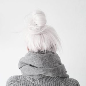 how to get white hair with bleach