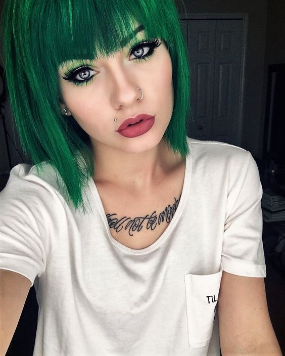 45 Brand New Scene Haircuts for Crazy, Cool & Vibrant Looks