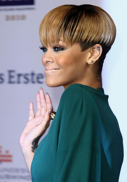 rhianna hair style 25 most iconic rihanna hairstyles and haircuts 9163