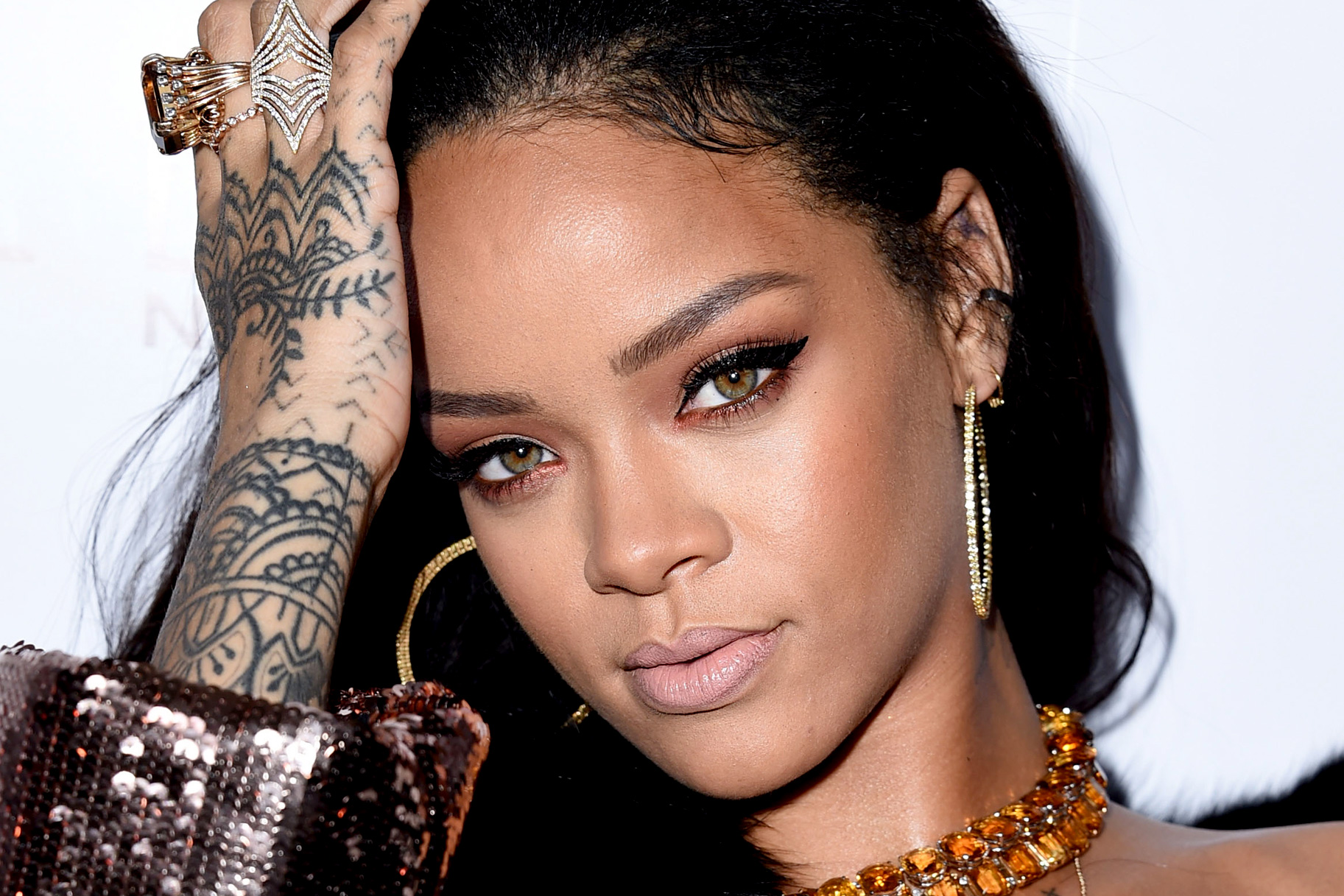 25 Best Rihanna Hairstyles