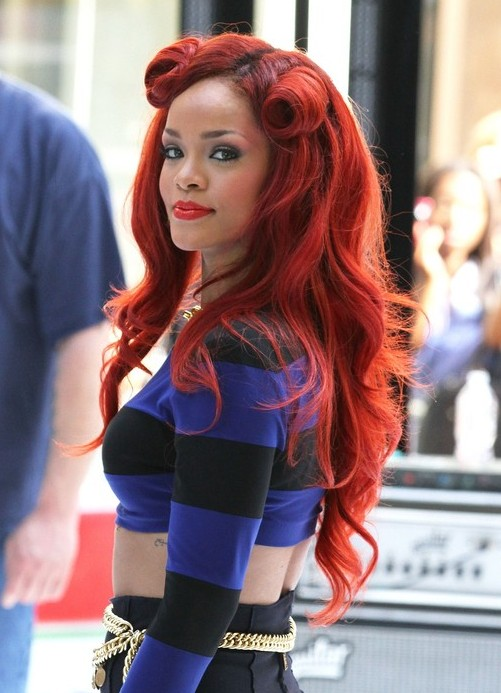 Not Many Can Pull Off This Bright Of A Red But Course Our Girl Rihanna If Youre Into And Over The Top Vintage