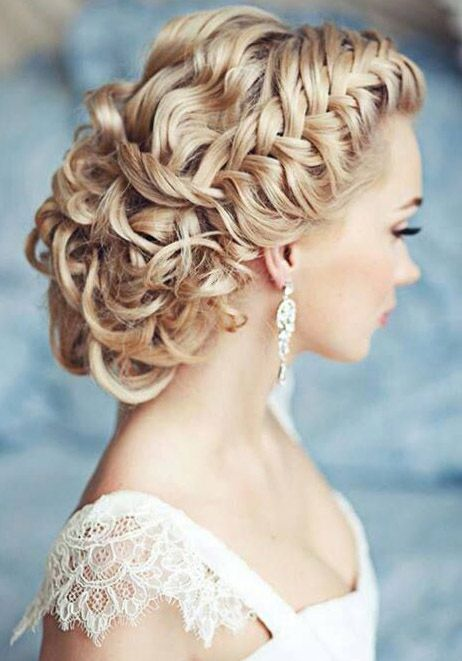 If You Re Looking For A Show Stopping Hairstyle That Will Leave Your Guests Schless Try This Intricate Updo Long Hair Is Curled All Over To Give