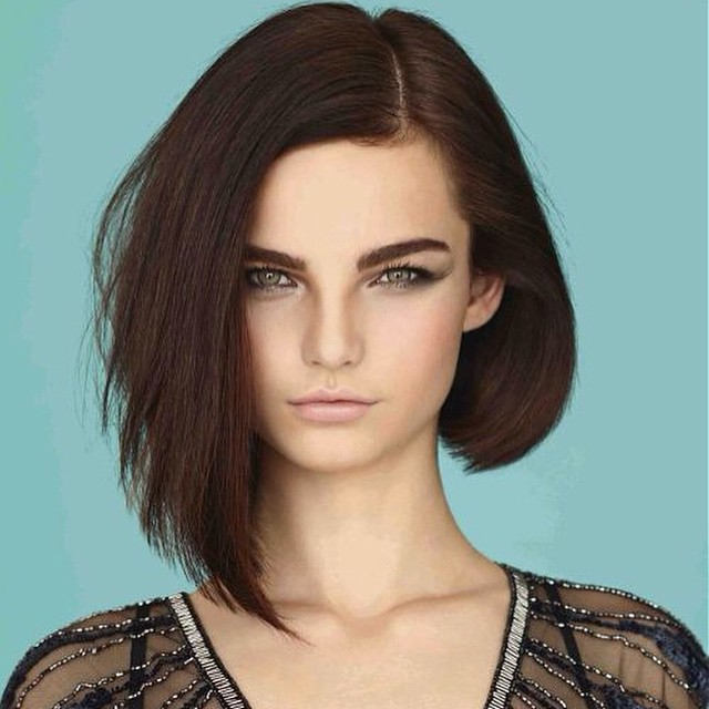styling asymmetrical hair hairstyle on one side on the other side 4298