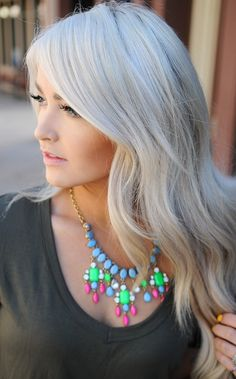 If You Want To Blend A Little Silver Style Into Your Ultra Light Hair Color This Platinum Grey Shade Is The Perfect Mixture Of Bleached Blonde And Granny