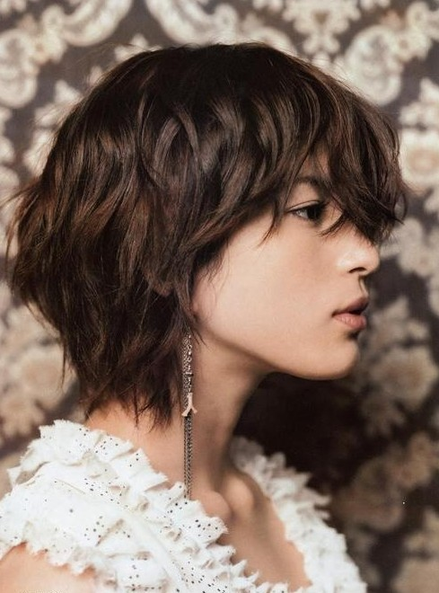 Pictures Of Short Hairstyles With Bangs And Layers 59