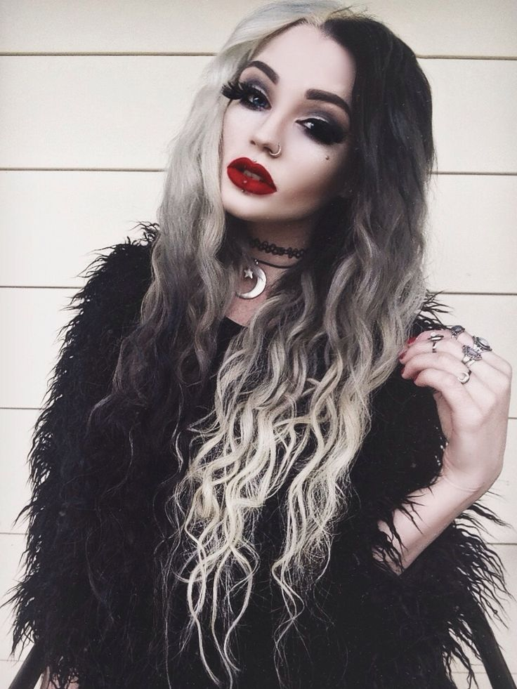 Black and blonde hairstyle #15