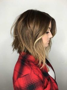 inverted lob with soft curls