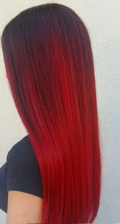 Using A Color Melting Technique To Get An Ombre Style Without The Obvious Line Of Demarcation Between Diffe Shades This Red Look Is Dreamy