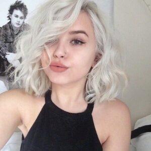 blonde blunt bob