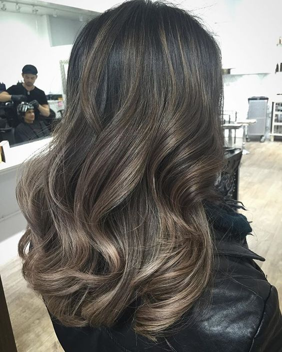 These Ash Blonde Highlights Transition From Very Thin Babylights At The Roots To A Higher Concentration Ends End Result Is Cool