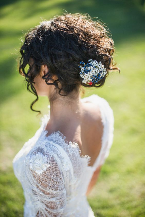 35 Chic Messy Updo Hairstyles For Luxuriously Long Hair Part 5