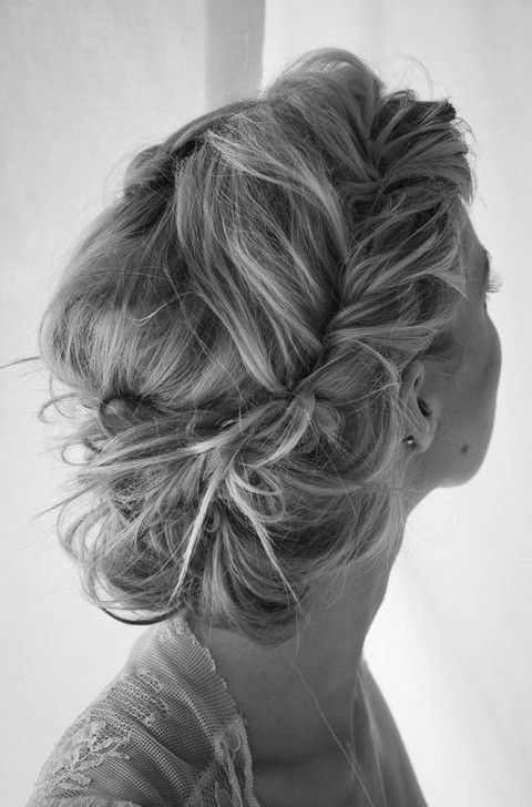 35 Chic Messy Updo Hairstyles For Luxuriously Long Hair