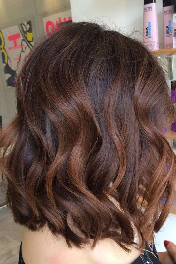 If Your Dark Brown Hair Has Lots Of Red Tones In It Auburn Highlights Offer Up A Natural Looking Way To Warm Style Consider This Softer