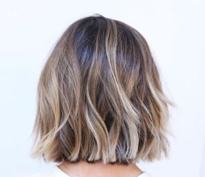 warm blonde highlights bob