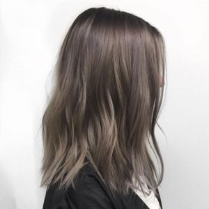 35 Ash Braunes Haar sieht aus