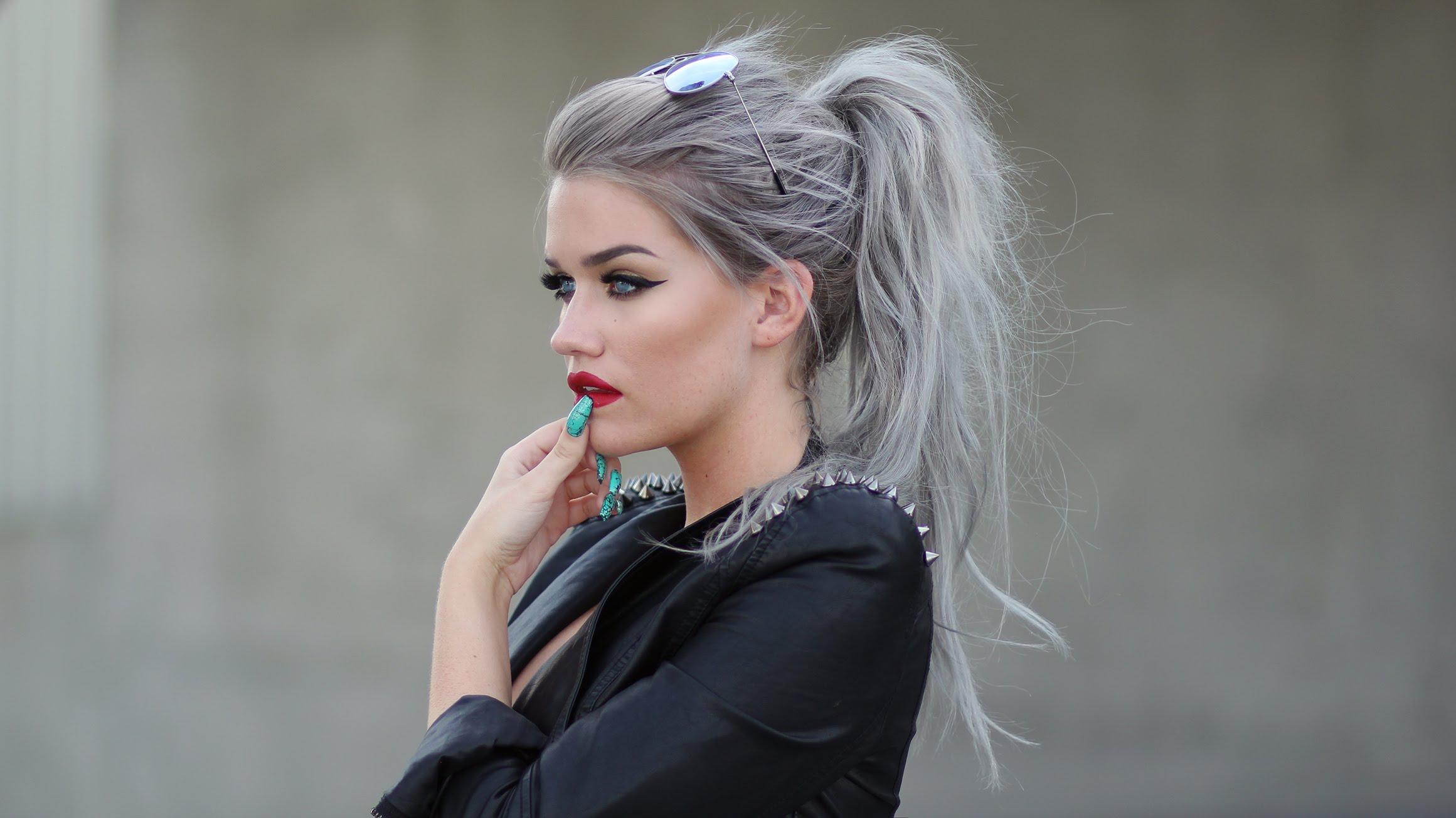 Color Hair Style: Silver Hair Dye: 30 Gorgeous Silver Hair Dye Looks