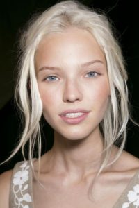 how to get white hair from blonde