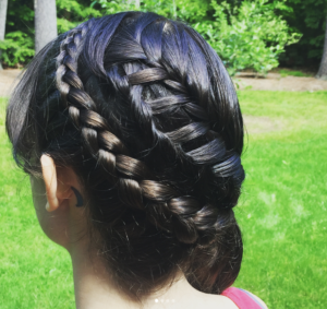 side ponytail ladder braid