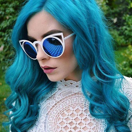 Atomic Turquoise waves