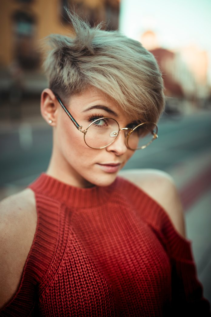 Short Haircuts for Hair and round faces